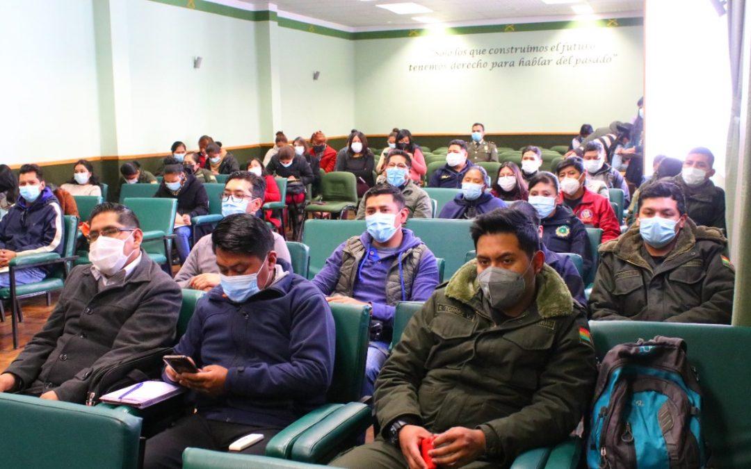 Personal de la FELCV y SLIMs de Oruro reciben capacitación sobre la Ley 243 contra del AVP